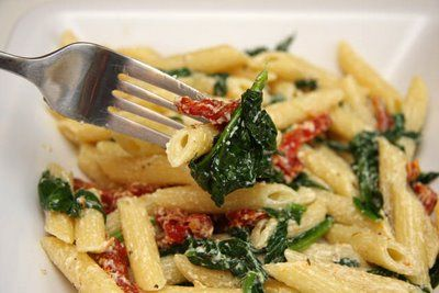... little chefs: Pasta with Goat Cheese, Spinach and Sun-Dried Tomatoes