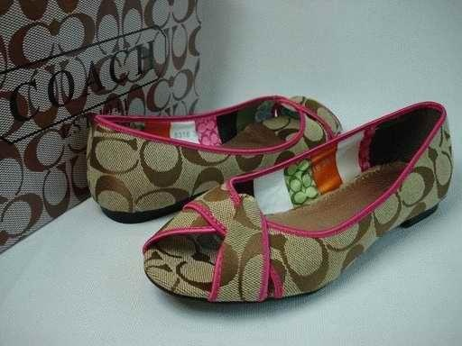 Famous Brand Shoes Are All Wholesale