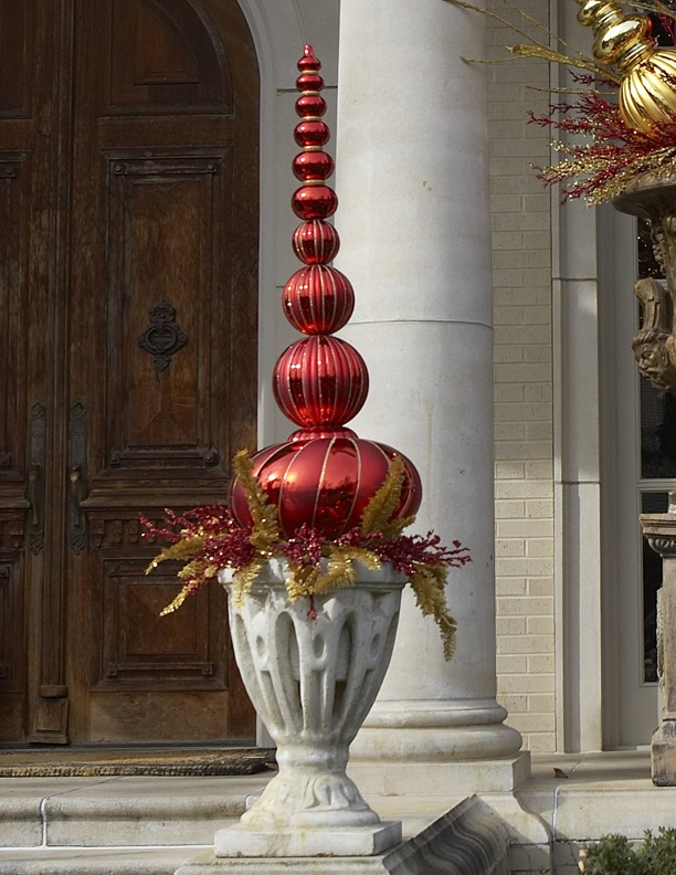 Outdoor decor christmas pinterest for Country living outdoor christmas decorations