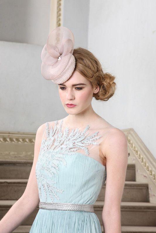 JANE ТЕЙЛОР шляп Кейт LIMITED EDITION Красивый шелковый вышитый бисером Мини Коктейль Hat.