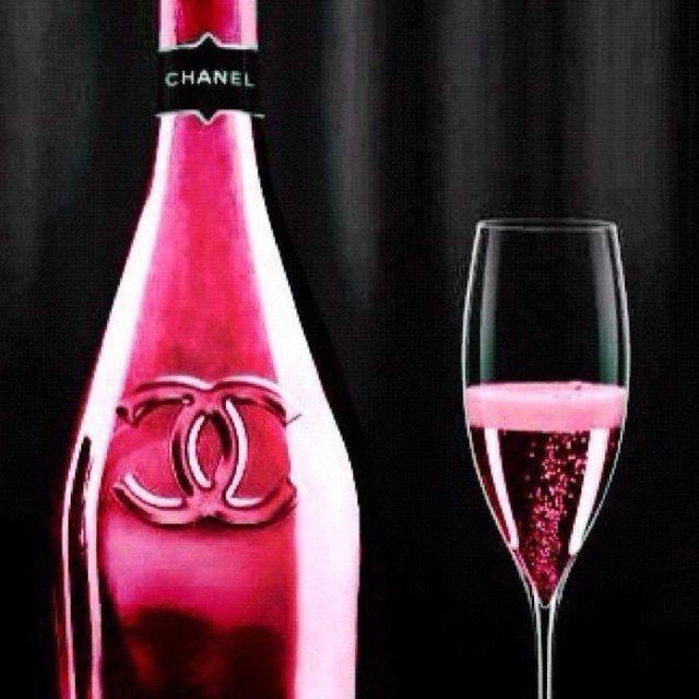 Chanel champagne