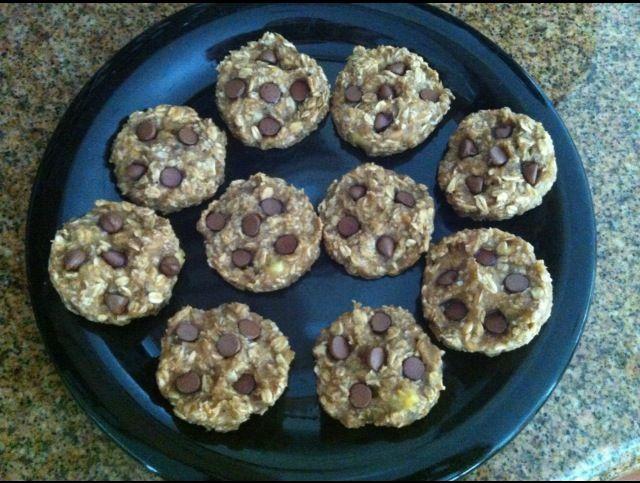 Flourless No Added Sugar Oatmeal Banana Raisin Cookies
