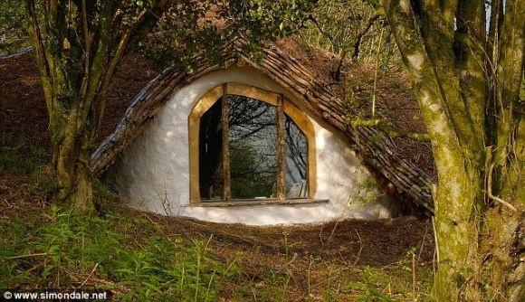 me creas: more my hobbit shed