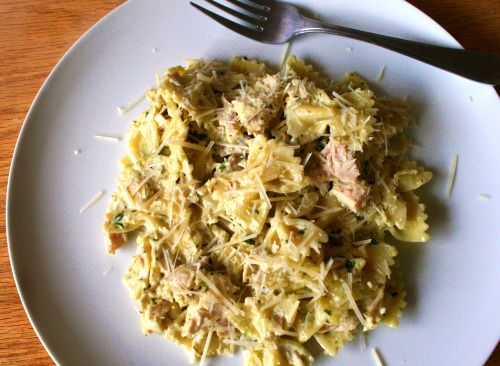 Chicken Pesto Pasta - easy and it was a hit with the kids