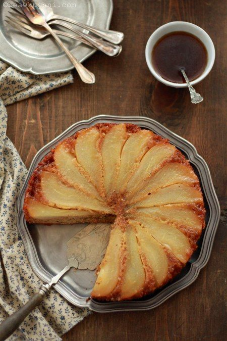Pin Ginger Cakes With White Peaches Blackberry Coulis Cake on ...
