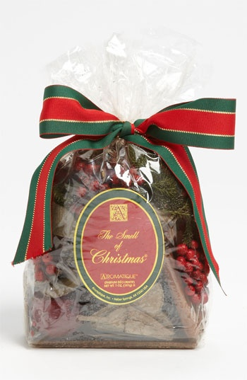 Aromatique smell of christmas potpourri can t wait to get it out