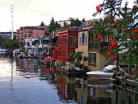 Houseboat From Sleepless In Seattle Houseboats Pinterest
