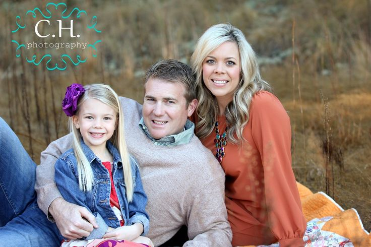 Family of 3 photo clothing idea photo ideas pinterest for Family of 3 picture ideas