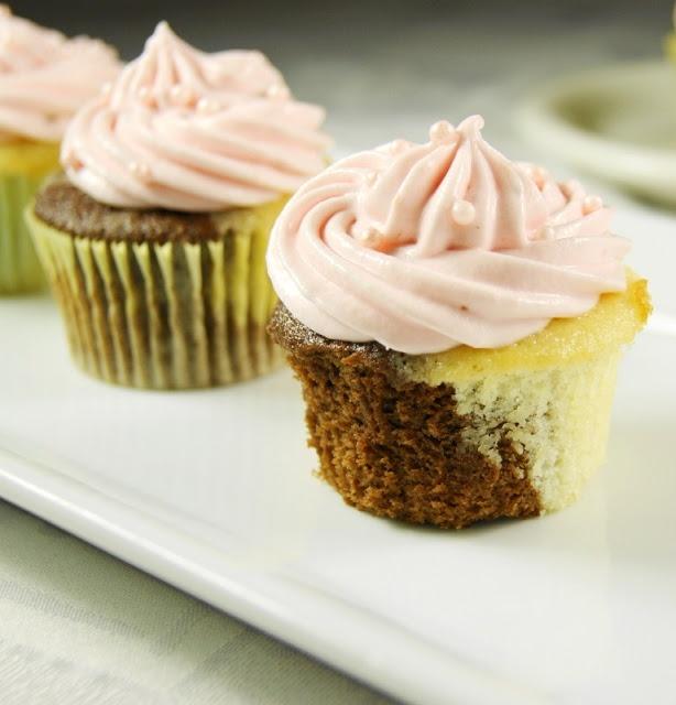 Neapolitan Cupcakes ~ tender 1/2-chocolate & 1/2-vanilla cupcakes with ...