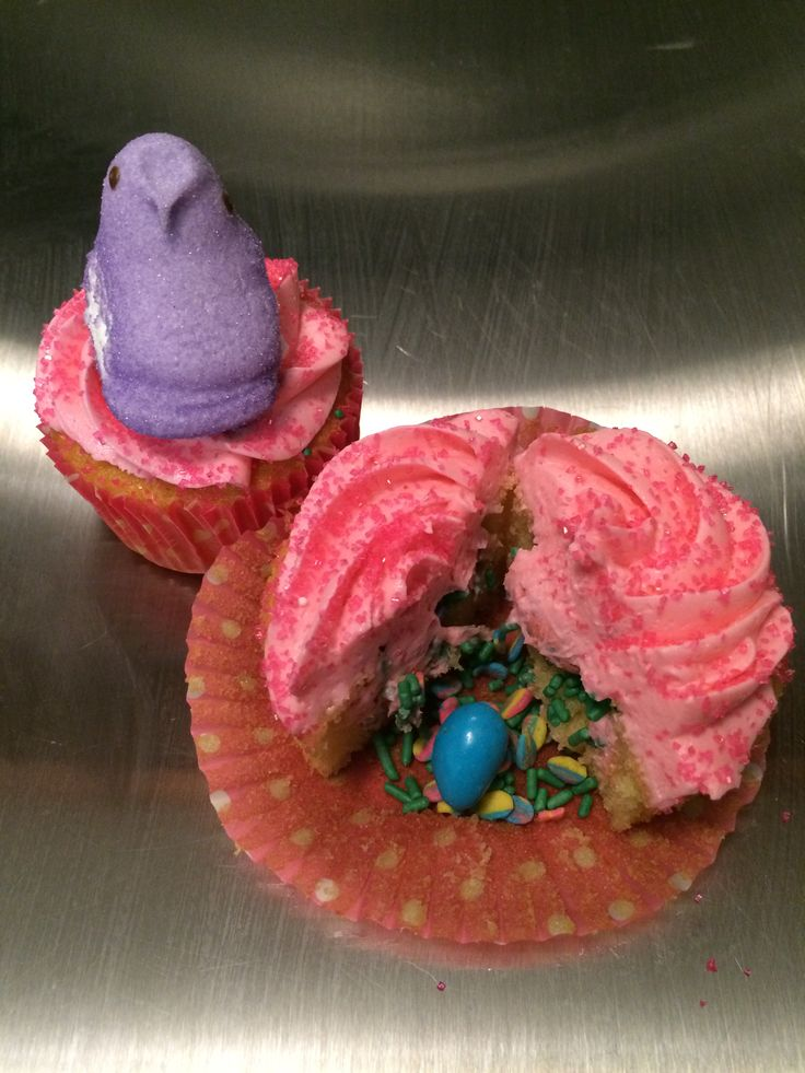 Easter surprise cupcakes | My Masterpieces | Pinterest