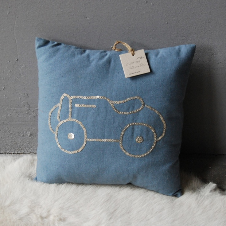 perfect little (boy) pillow <3