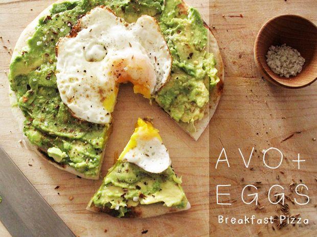avocado/egg breakfast pizza
