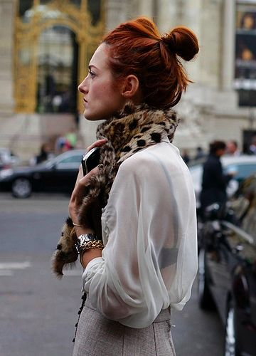 Taylor Tomasi Hill / leopard scarf