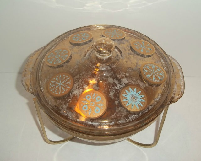 FIRE KING 2 QT GOLD FLECKED & TEAL MEDALLION CASSEROLE DISH WITH WARMING STAND   eBay