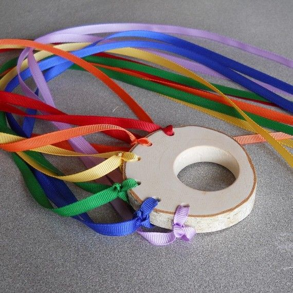 Ribbon play or streamers