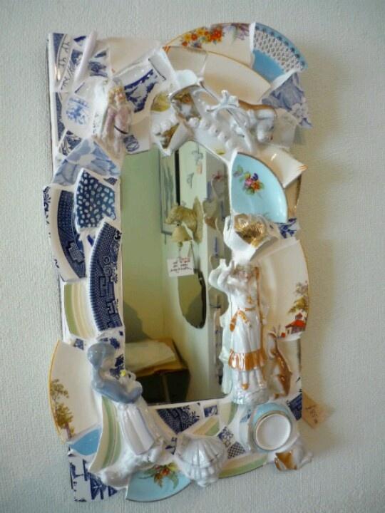Broken plates mirror craft ideas pinterest for Broken mirror craft ideas