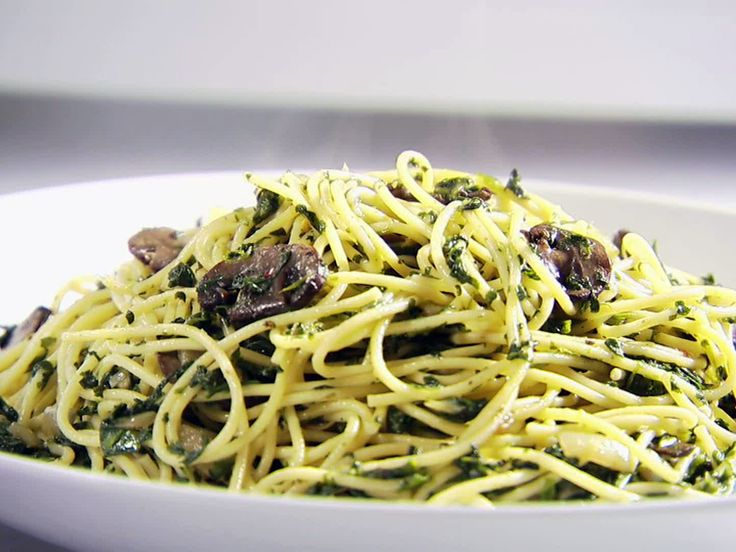 ... pasta... Round 2 Recipe - Spinach and Mushroom Pasta from FoodNetwork