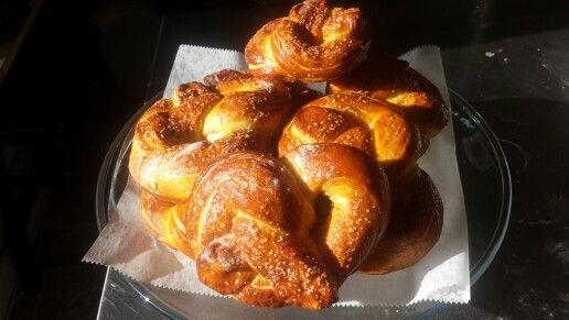 Soft buttery pretzels | food inspirations | Pinterest