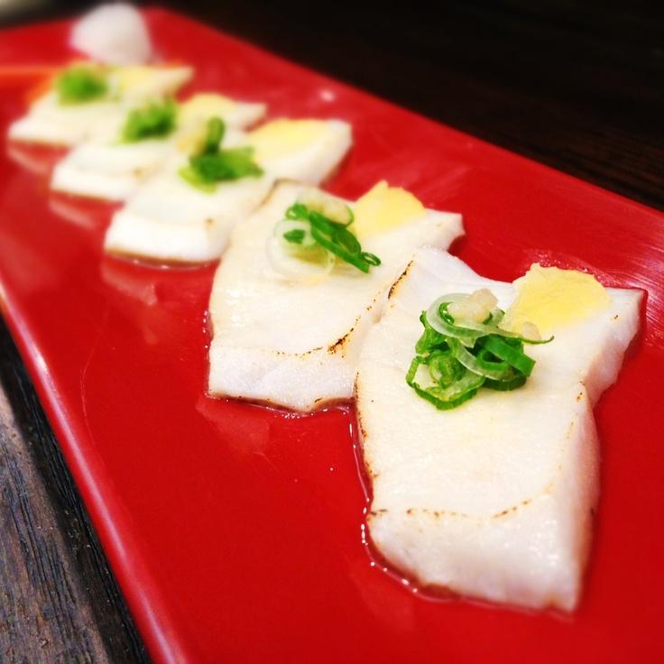 how to eat caviar with sashimi