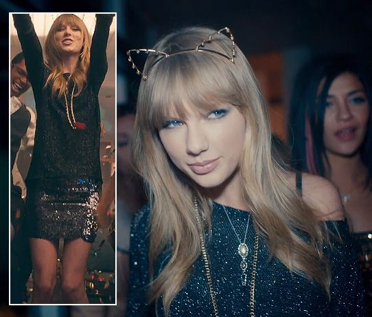 "Cat ear headband and metallic sweater on ""22″ film clip"