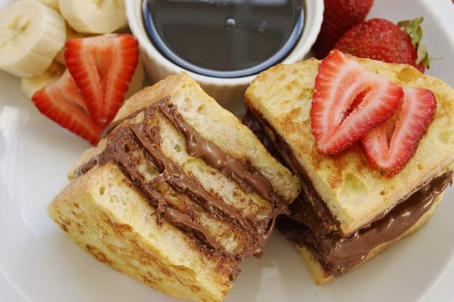 Nutella French Toast with Bananas & Strawberries. There're no words.