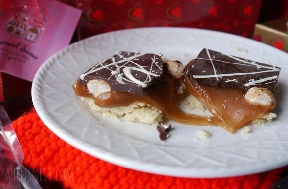 ... Glazed Macadamia Caramel Shortbread Bars - OMG these are SO good