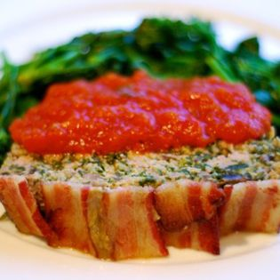 Bacon-Topped Spinach Mushroom Meatloaf | Recipes to Sort | Pinterest