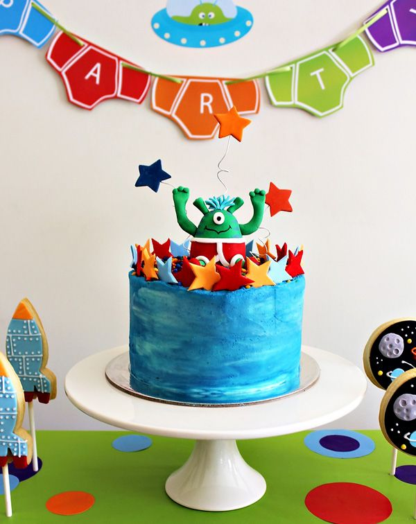 Aliens Love Underpants Birthday Party. We LOVE this book!