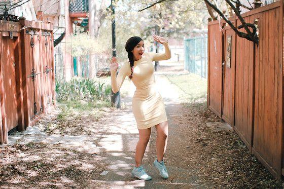 2190374_Elodie-Laetitia-Hello-Elo-Fashion-Blog-Mode-Montreal-Canada-Fashion-Blogger-Blogueuse-Mode-France-Tendance-Printemps-Ete-2012-Couleurs-pastel-Blumarine-Reebok-Nostalgia-Freestyle-3.jpg (560×373)