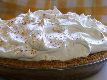 Bananas Foster Cream Pie by EvilShenanigans, via Flickr