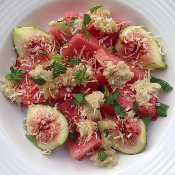 my green smoothie - watermelon, fresh little figs, mint, cashew cream ...