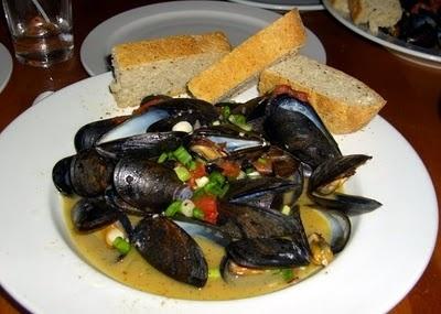 Beer Steamed Mussels | ¡Ṽiva♛ (♉) Єspaña! | Pinterest
