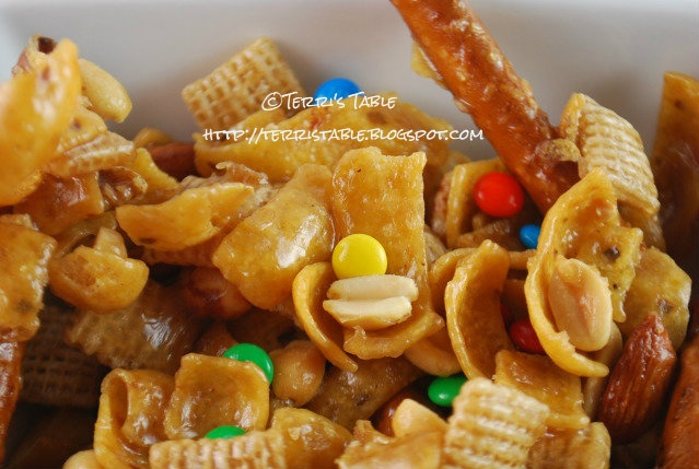 Frito Snack Mix 11March2012 | Appetizers and Dips | Pinterest