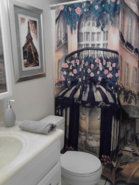 paris theme bathroom home decoration pinterest. Black Bedroom Furniture Sets. Home Design Ideas