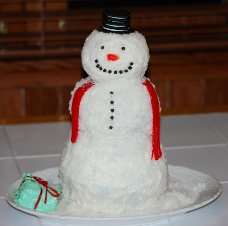 Frosty the Cakeman! Coconut snowman cake.
