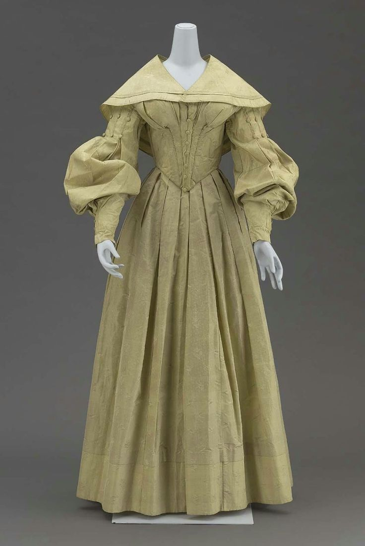 wedding dress with cape american 1839 1830s wedding