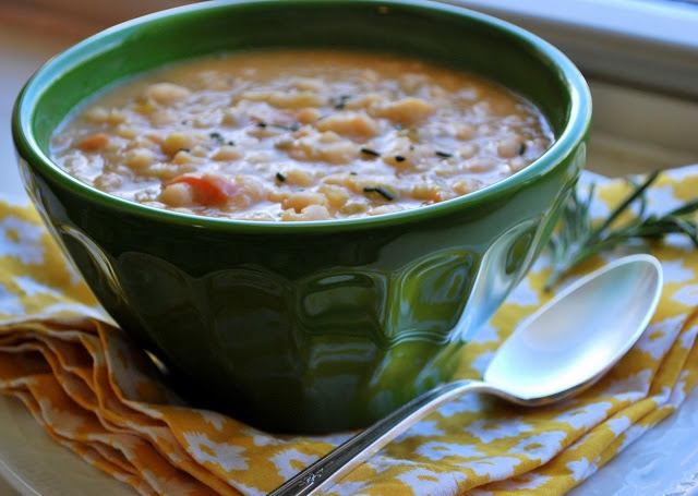 Tuscan White Bean And Roasted Garlic Soup (Crock Pot Recipe) Recipes ...
