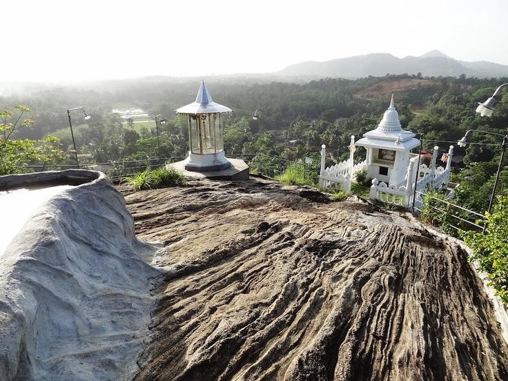 Padukka Sri Lanka  city photos : Padukka, Sri Lanka | country like no other