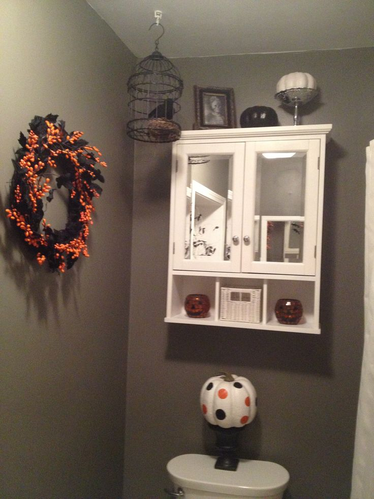 bathroom decor for halloween halloween bathroom decor pinterest