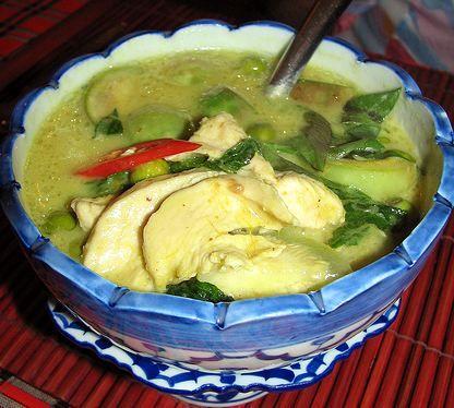 Kaeng Kaew Hwan Kai (Thai Green Curry with Chicken) » Thai food ...