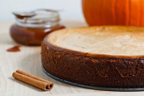 pumpkin pie cheesecake - looks like the perfect blend of creamy ...
