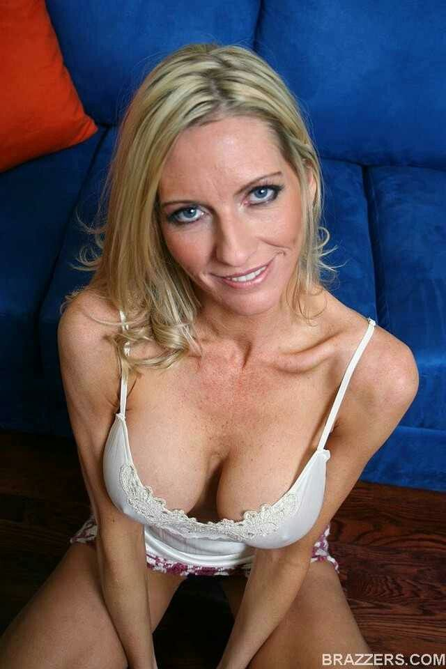 Brazzers mommy got boobs being elite and easy scene star 9