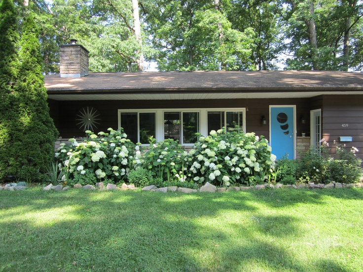 Beautiful One Story Brick Homes together with 195765915026280404 likewise Mid Century Ranch Interior Design likewise Charming Cape Cod Style Contemporary House furthermore 37573db7c9023a9c. on curb appeal ranch house