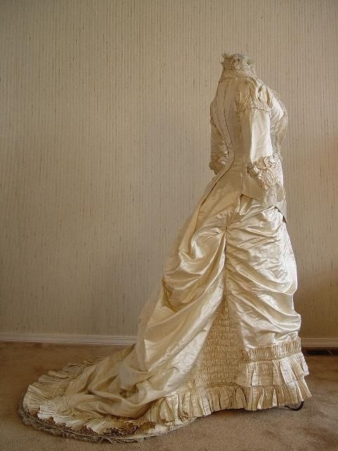 Victorian wedding dress tulle and lace pinterest for Victorian bustle wedding dress