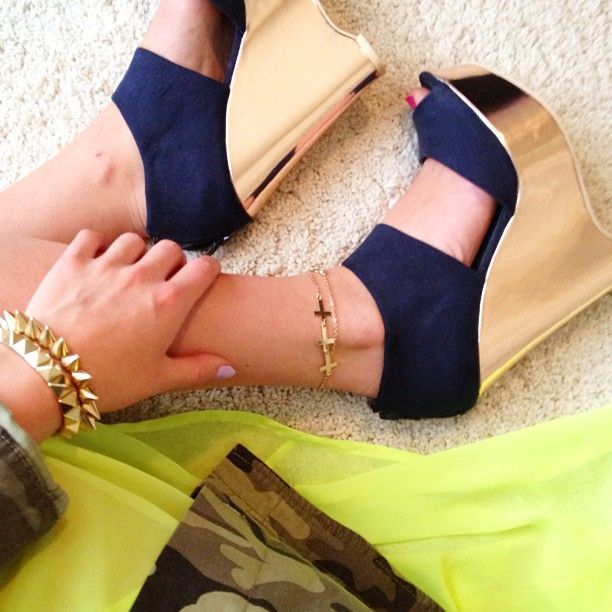 Wedges, just lovely. - Crazy, I know the girl whose picture this is! http://dashofglamm.blogspot.com/