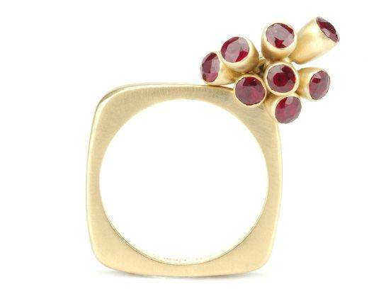 Square 7 Bud 18y Ruby / green Sapphires Ring : Miiri Damer - Contemporary Cornish Jeweller
