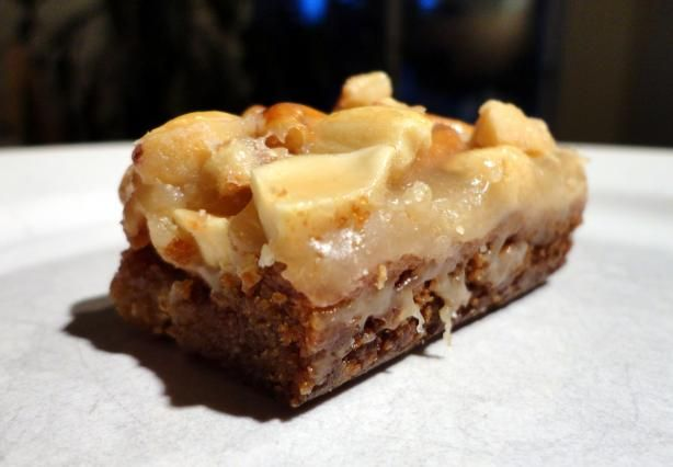 Butterscotch blondies w/peanut-pretzel caramel
