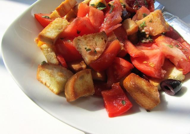 Tomato & Roasted Red Pepper Bread Salad (Panzanella) @ Savory Tart ...