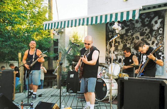 Smashbandits - Detroit Punkfest 2002  |  Photo by Meg Geddes