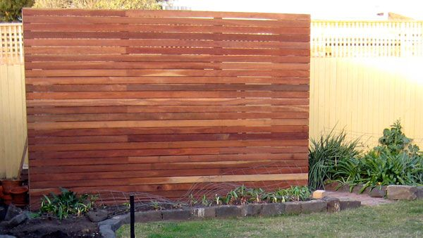 Free standing spotted gum privacy screen crafty pinterest for Garden feature screens